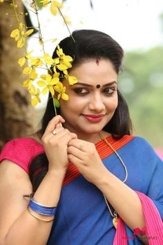 Rimi Tomy In Thingal Muthal Velli Vare