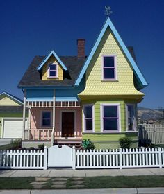 """This """"Up house"""" is only 2 miles from my house in Herriman, Utah. Totally designed to mimic the house from the movie. It was in the parade of homes and the inside had the chairs. Up Movie House, Up House, House Art, Disney Movie Up, Disney Home, Disney Pixar, Disney Diy, Disney Dream, Disney Magic"""
