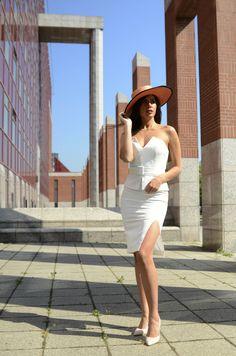 #orovicafashion #ritaset #hollywood Timeless Fashion, Hollywood, Womens Fashion, Dresses, Design, Vestidos, Women's Fashion, Dress