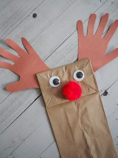 12 Easy Christmas Crafts for Toddlers and Preschoolers Easy Christmas Crafts For Toddlers, Preschool Christmas Crafts, Crafts For Teens, Diy For Kids, Easy Crafts, Kids Crafts, Christmas Tree Painting, Christmas Paper, Simple Christmas