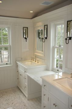 My mind immediately went to imagining how amazing the empty counter top space in between the sinks would be for putting on makeup, especially with all of the natural lighting.