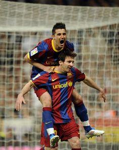 Messi & Villa two of my Faves Messi 10, Lionel Messi, Football Love, Football Players, David Villa, Free Kick, Soccer Stars, Fc Barcelona, Neymar