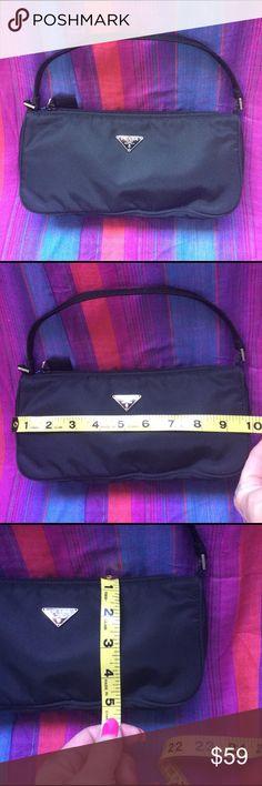 Cute Prada bag🌺 Authentic, no cards or dust bag mint condition Prada Bags Mini Bags