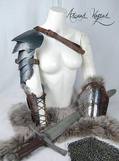 Old steel scales shoulder armor for LARP + Warlord steel and leather bracers UE Festival Fashion, Festival Style, Leather Bracers, Larp Armor, Shoulder Armor, Armors, Costumes, Costume Ideas, Steampunk