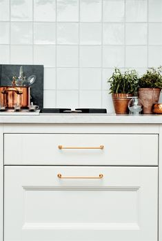 This kitchen just wouldn't be the same without the Furnipart draw handles 🌿 Industrial Furniture, Kitchen Furniture, Furniture Decor, Kitchen Cabinet Makers, Kitchen Drawers, Draw Handles, Shop Fittings, Kitchen Hardware, Decorative Panels