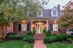 341 Kingsway Dr, Lexington, KY 40502 - Home For Sale and Real Estate Listing - realtor.com®