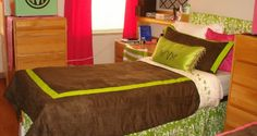 How Pretty Effective And Stylish Dorm Room Bedding Ideas