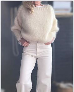 Mohair off-white sweater. Jackets For Women, Sweaters For Women, Clothes For Women, Mode Outfits, Fall Outfits, Knit Fashion, Womens Fashion, Style Fashion, Fashion Tips