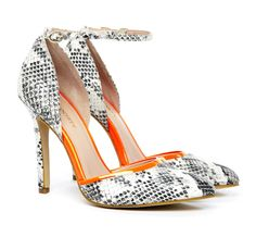 Francesca : Love that free shipping both ways and this fab shoe is under 50!