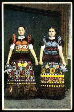 Mezőkövesdi lányok | Képeslapok | Hungaricana Folk Costume, Costumes, Folk Clothing, Family Roots, Vintage Wardrobe, Folk Music, Lace Making, Traditional Dresses, Needlepoint