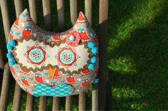 lulu schupimpski.... owl pillow available at my dawanda.