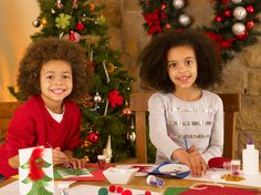 Plan fun activities for your children to get into the holiday spirit, like these cute Christmas decorations. || Move It Storage
