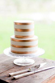 Copper Band Wedding Cake | Karen Buckle Photography | See More: http://heyweddinglady.com/dusk-and-copper-modern-metallic-wedding-inspiration/