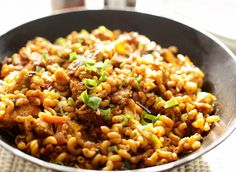Wok macaroni with chicken Pasta Recipes, Dinner Recipes, Lunch Recipes, Healthy Slow Cooker, Good Healthy Recipes, Risotto, No Cook Meals, Family Meals, Italian Recipes