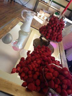 Mirrored strawberries, simple yet effective