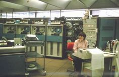 chicasyordenadores:  IBM 360/44 on its very last day 30 June 1980