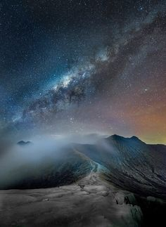 Milky Way, silent night Beautiful Sky, Beautiful World, Beautiful Places, All Nature, Science And Nature, Cosmos, Images Cools, Imagen Natural, Landscape Photography