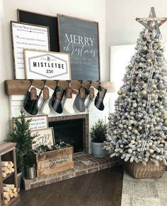 holiday mantle decor to swoon over this holiday season // kendallandalexis…. – Camila Goedert holiday mantle decor to swoon over this holiday season // kendallandalexis…. holiday mantle decor to swoon over this holiday season // kendallandalexis…. Decoration Christmas, Christmas Mantels, Farmhouse Christmas Decor, Noel Christmas, Country Christmas, Winter Christmas, Christmas Crafts, Christmas Fireplace Decorations, Reindeer Decorations
