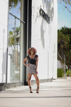 Spring Fashion Trend: How To Wear Ruffles http://www.arteresalynn.com/blog/ruffles-spring-fashion-trend