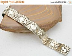 ❘❘❙❙❚❚ ON SALE ❚❚❙❙❘❘   For your consideration is this silver link #bracelet made of silver with #leaf like design on it. It is marked Mexico the mark above is hard to read... #vintage #bangle #teamlove #taxco #vogueteam #southwestern