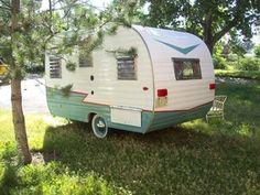 Vintage Travel Trailer Camper Like New (old antique retro canned ham trailor)