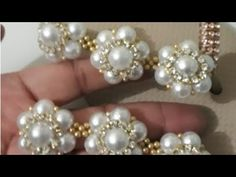Cabedal de pérolas com strass - YouTube Handmade Crafts, Diy And Crafts, Handmade Jewelry, Beaded Jewelry, Beaded Bracelets, Fabric Origami, Beaded Embroidery, Beading Patterns, Jewelry Making