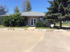 Office building at 608 6 ST SE in Slave Lake, AB. http://slavelakepost.ca/realestate/forsale/businesses