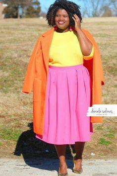 Tripudio di colori e solarità, per rendere il tuo look unico. Disegna il tuo stile Daniela Salinas Style Coach www.danielasalinas.com seguimi su instagram dsfashionbook Curvy Fashion, Fashion Looks, Midi Skirt, Skirts, Style, Instagram, Swag, Midi Skirts, Skirt