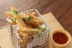 Babycorn coated with a refined and rice flour marinade and deep fried to crisp. BABYCORN FRITTERS Ingredient 12 Baby corn refined flour ½ cup rice f. Sweet Chilli Sauce, Indian Dishes, Yummy Appetizers, What To Cook, Fritters, Recipe Of The Day, Indian Food Recipes, Spicy, Yummy Food