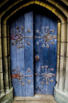 doors.quenalbertini: Beautiful blue doors, coquita