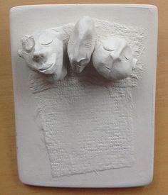 3 messieurs  Modelage sur plâtre.
