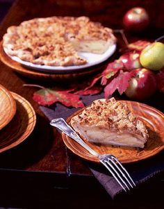 Apple-Cheddar Crumble Pie