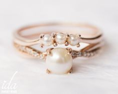 Rose Gold Pearl Engagement Ring Set, Pearl Ring, Wedding Band, Wedding Ring Set, Diamond Engagement Rings for Women Rose Gold Pearl Engagement Ring Set Pearl Ring Wedding Pearl Ring Design, Looks Hippie, Rose Gold Pearl, Pearl And Diamond Ring, Rose Gold Engagement Ring, Pearl Engagement Ring Vintage, Engagement Rings For Women, Ring Verlobung, Gold Bands