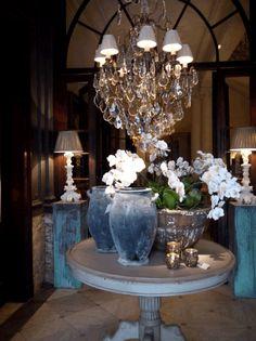 Pieter Porters, Antwerp Belgian Style, English Heritage, Bath Decor, Antwerp, Decoration, Home And Garden, Chandelier, Ceiling Lights, Living Room