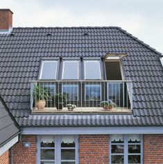 The VELUX GEL Roof Terrace can make an exquisite addition to any home. Flooding in the natural even when closed and allowing access to the roof area when open - it really is the best of both worlds!