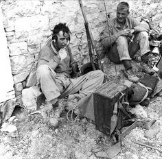 Private W.G. Turner, Royal Canadian Regiment, eating a meal during rest period, Motta, Italy, 2 October 1943. a129778-v6.jpg (600×590)
