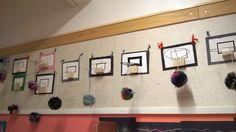 2.lk minikoris ja tupsupallo Crafts To Do, Diy Crafts, Makeup Masterclass, Wooden Crafts, Primary School, Master Class, Gallery Wall, Woodworking, Makeup Ideas