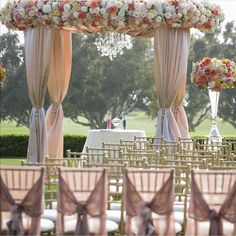 Definitely a view on from every angle!! Amazing floral by @jennifercoleflorals ! @aprboutiqueevent @crown_weddings @lilyrosephoto @lodgetorreypines @youngsongmartin #wildflowerlinen #outdoorwedding #chaircovers #weddingflowers #weddingceremony #weddingchairs #weddingdecor #ceremony #sandiegowedding #ceremonyflowers #ceremonysand