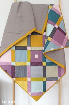 tamara kate - cobblestone quilt for michael miller fabrics, muted colors, modern layout love the color combination Michael Miller, Quilting Projects, Quilting Designs, Quilting Ideas, Sewing Projects, Diy Projects, Palettes Color, Barn Quilts, Quilt Top