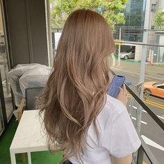 Blonde Hair Korean, Brown Blonde Hair, Light Brown Hair, Light Hair, Korean Hair Color Brown, Hair Color Asian, Hair Color Streaks, Hair Dye Colors, Hair Highlights