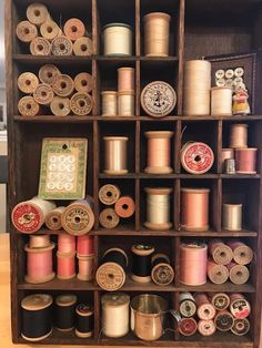storage trendy sewing thread spools ideas room diy 53 53 Trendy sewing room storage ideas diy thread spools 53 Trendy sewing room storage ideas diy thrYou can find Vintage sewing and more on our website Sewing Room Storage, Sewing Room Decor, My Sewing Room, Sewing Box, Thread Storage, Wooden Spool Crafts, Wooden Spools, Vintage Sewing Notions, Vintage Sewing Machines