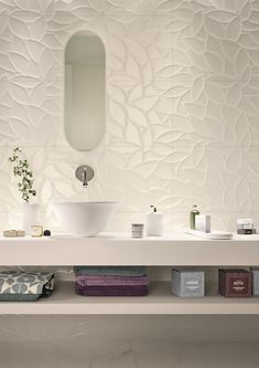 Bathroom tiles: ceramic and porcelain stoneware - Marazzi 6685 Bathroom Flooring, Bathroom Wall, Modern Bathroom, Master Bathroom, Bad Inspiration, Bathroom Inspiration, Bathroom Interior Design, Wall Tiles Design, 3d Tiles