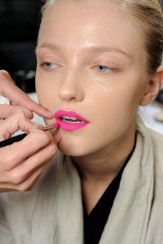 neon lips.. were doing this in 24 hours!!!!!! @Katie Neace @Laura Casconi @JoAnna Karem @Meredith Wade @MaKenzie Dykstra @Teddi Naegele @Rachael Waddell