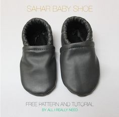 Baby Shoes Soft-soled, slip-on shoe pattern & sewing tutorial: The Sahar Baby Shoe Pattern . Baby Moccasin Pattern, Baby Shoes Pattern, Shoe Pattern, Pattern Sewing, Moccasins Pattern, Felted Slippers, Baby Slippers, Baby Shoes Tutorial, Zapatillas Slip On