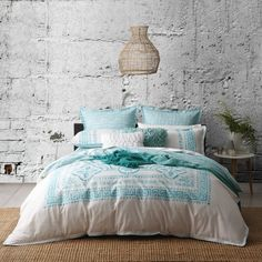 Meandros Teal Quilt Cover Set by Logan Mason (72 AUD) ❤ liked on Polyvore featuring home, bed & bath, bedding, quilts, floral bedding, teal blue bedding, teal bedding, reversible bedding and teal green bedding