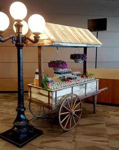 Wooden Cart, Wooden Wagon, Flower Truck, Flower Cart, Wood Projects, Woodworking Projects, Food Cart Design, Sweet Carts, Hot Dog Cart