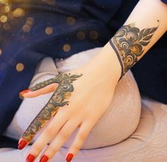 New Eid Special Mehndi Designs _ Easy and Beautiful Mehndi Design Arabic Henna Designs, Modern Mehndi Designs, Mehndi Design Pictures, Mehndi Designs For Fingers, Beautiful Mehndi Design, Bridal Mehndi Designs, Simple Mehndi Designs, Henna Tattoo Designs, Mehndi Images