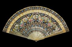 Brisé fan of painted horn. Probably Englsih, c1810-1815. Fitzwilliam Museum.