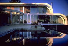 arthur erickson, hugo eppich house designed in 1979 Luxury Homes Exterior, Luxury Modern Homes, Architecture Old, Amazing Architecture, Interesting Buildings, Mansions Homes, Pool Houses, House Front, Architecture