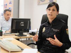 Los 'ángeles' de Twitter: así funciona @policia   Navegante   elmundo.es